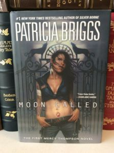 Cover Image of Patricia Briggs's novel Moon Called.